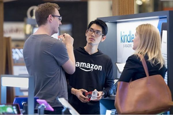 In den USA hat Amazon an die hundert Pop-up-Stores.