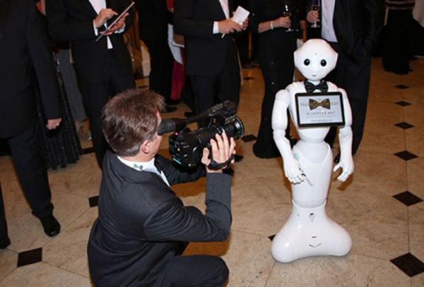Auf Marketingtour: Pepper auf dem Berliner Presseball