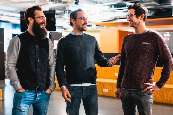 Die Emax-Gründer Dominik Pietrowski, Andreas Kleofas und Dimitri Dumonet (von links)